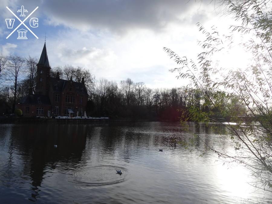 lago del amor brujas